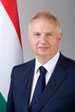 Dr. Trócsányi László igazságügyi miniszter, egyetemi tanár